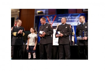 19 First Responders Receive Valor Awards